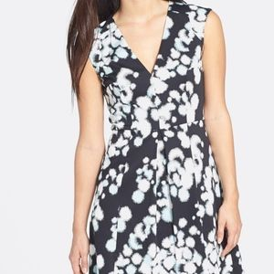 French ConnectionPrinted Sleeveless V-Neck dress